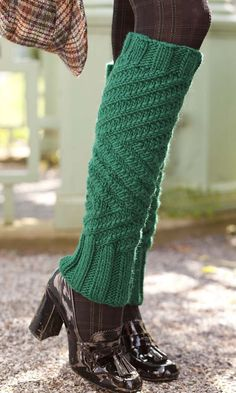 Knitting Pattern for Zigzag Legwarmers - These Ribs with Sauce legwarmers come in 2 sizes and are knit in bulky yarn. Designed by Cathy Carron. Knitted Boot Cuffs, Knit Leg Warmers, Knit Boots, Knitting Socks, Hand Knitting, Knitted Hats, Patterned Tights, Decorated Shoes, Knitting Patterns Free