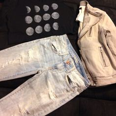 "AEO Distressed Modern Flare Jeans Wore once. Still on the fence about selling them. Light blue jeans with distressing on pockets, bottom hems and on the front of the legs. Line drawn through tag to prevent returns. Inseam is 32 1/2"". NO LOWBALL OFFERS PRICE FIRM on these. Top and jacket also for sale in my closet. American Eagle Outfitters Jeans Flare & Wide Leg"