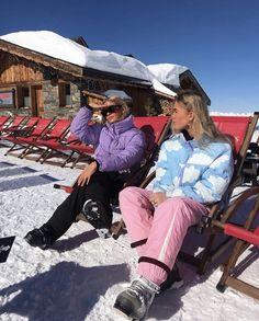 Chalet Girl, Plus Clothing, Ski Wear, Mode Streetwear, Winter Photos, Winter Ideas, Cute Friends, Best Friend Goals, Ski And Snowboard