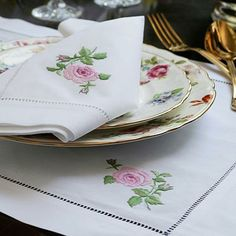 embroidered placemat and napkin
