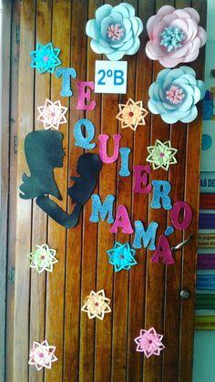 Decoración puerta mayo día de las madres