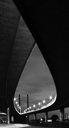 Brückenauge (Rheinkniebrücke Düsseldorf) von Marcel Adamczak