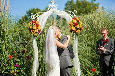 red fall barn wedding in oregon