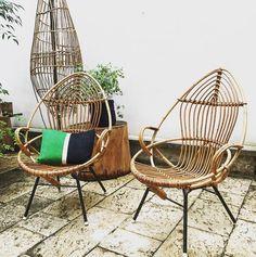 Outdoor Chairs, Outdoor Furniture, Outdoor Decor, Vintage Shop, Structure Metal, Hanging Chair, Wicker, Instagram Posts, Paris