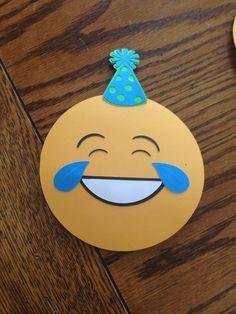Party Emoji, Birthday Invitations, Party Planning, Party Time, Cricut, Birthday Ideas, Diy, Party Ideas, Craft