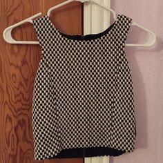 Crop top checkered! Cute zip up crop top! Forever 21 Tops Crop Tops