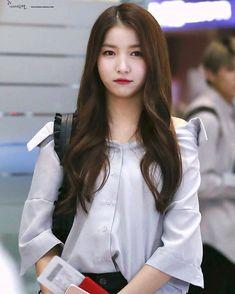 "Sowon #gfriend #kimsojung #sowon #yeojachingu #buddy #buddyindonesia "" Gfriend Sowon, Cloud Dancer, G Friend, Korean Music, Girl Bands, Korean Singer, Ultra Violet, Kpop Girls, My Idol"