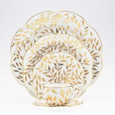 Nymphea - Oliver Gold by Royal Limoges