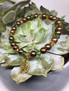 Goldener Herbst   Etsy Glass Wax, Cut Glass, Golden Leaves, Leaf Pendant, Bracelet Making, Beaded Bracelets, Brooch, Autumn, Etsy