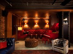 A Jazz Age-inspired hotel in a friendly neighborhood, between the Hudson River and Central Park