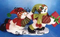 MUÑECOS NIEVE JUGANDO Christmas Holidays, Merry Christmas, Holiday Ornaments, Bowser, Ronald Mcdonald, Snowman, Dinosaur Stuffed Animal, Toys, Fictional Characters
