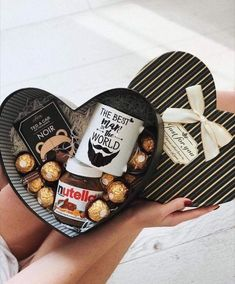 Gift Box Decor Ideas for Him this Valentines Day. # DIY Gifts box Gift Box Decor Ideas for Him this Valentines Day Diy Gifts For Him, Diy Gifts For Boyfriend, Birthday Gifts For Boyfriend, Valentines Bricolage, Valentines Diy, Valentine Day Gifts, Valentines Baskets For Him, Valentines Day For Him, Diy Gift Baskets