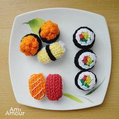 Sushi - Amigurumi Food (Free Crochet Pattern by Ami Amour) Sushi Set, Sushi Sushi, Crochet Food, Free Crochet, Crochet Cupcake, Dog Crochet, Kawaii Crochet, Crochet Birds, Crochet Animals
