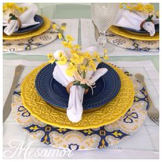 Dining table decor - 58 Inpriations to Create Dusty Blue Wedding – Dining table decor Dinner Plate Sets, Dinner Sets, Dinner Plates, Dinner Ware, Table Place Settings, Beautiful Table Settings, Blue Table Settings, Party Decoration, Summer Table Decorations