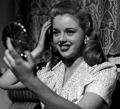 A very young Diana Dors in Dance Hall Old Hollywood Stars, Old Hollywood Glamour, Hollywood Fashion, Golden Age Of Hollywood, Hollywood Actresses, Classic Hollywood, 1940s Fashion, Vintage Fashion, Diana Dors