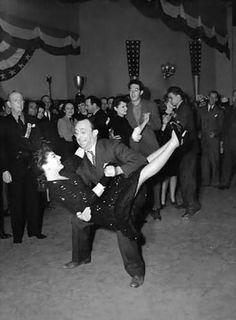 Allen Jenkins flipping Joan Crawford during the jitterbug #alvasbfm #ballet #dancer