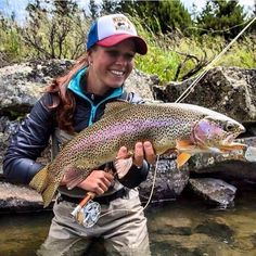 Fishing can be a great stress reliever. Find out more about fishing as a stress relieve, including tips on catching fish and staying safe. Fly Fishing Girls, Fly Fishing Gear, Gone Fishing, Best Fishing, Saltwater Fishing, Kayak Fishing, Fly Girls, Fishing Stuff, Fishing Knots