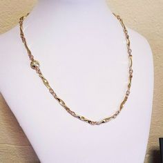 This beautifully handcrafted necklace is a larger version of the previous posting.  A large 'Vixen's Twist' style in solid 14K Yellow Gold hammered links and 14K Red Gold rings.  The handmade catch is sitting around to the side in this photo and has been handcrafted in 14K Red & Yellow Gold.  #handmadefoxchain #handmadegoldnecklace #handcraftedgoldcatch #uniquegoldnecklace #handforgedbyoneman  #handforgedfoxjewellery #14Kyellowgoldnecklace #14kredgoldnecklace #14krosegoldnecklace