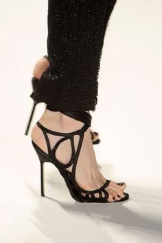 Monique Lhuillier monique lhuillier, fashion, style, heel, black shoes, sandal, lhuillier fall, fall 2011, moniqu lhuillier