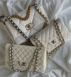 Chanel Purse, Chanel Handbags, Channel Bags, Bvlgari Bags, Celine Bag, Images Gif, Replica Handbags, Girly Things, Louis Vuitton