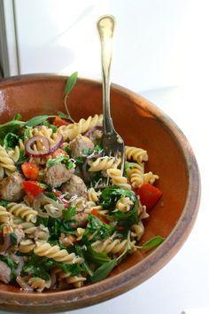 Hverdagspasta med salsicciaboller, grønnsaker og fennikelfrø | Spiselandslaget