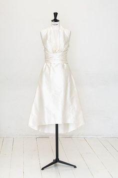 elfenkleid: feel modern yet romantic Dream Wedding, Wedding Dreams, Couture, White Dress, Romantic, Modern, Waterfall, Dresses, Fashion