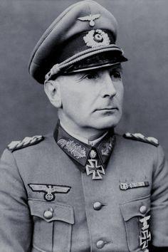 Generalmajor Willibald Frhr. von Langermann und Erlencamp (1890-1942), Kommandeur 4. Panzer Division, Ritterkreuz 15.08.1940, Eichenlaub (75) 17.02.1942