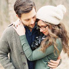 fall engagement shoot - what to wear Engagement Outfits, Winter Engagement, Engagement Couple, Engagement Pictures, Country Engagement, Engagement Session, Beach Engagement, Couple Posing, Couple Shoot
