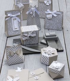 Beautiful Stampin Up neutrals and Kraft monochromatic box and packaging range Envelope Punch Board, Exploding Boxes, Gift Packaging, Beauty Packaging, Stampin Up Cards, Gift Tags, Cardmaking, Paper Crafts, Gift Wrapping