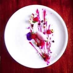 """""""""""Textures of raspberry"""" - A fenomenal dessert uploaded by @lucianaadewi #gastroart"""""""