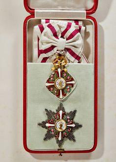 Order of Elizabeth (Austria) — First class set made by the Austrian court jeweller Rothe in Vienna, Silk, silver, gold and enamel. (sold by Andreas Thies, Lot 82, 62. Auktion - Orden und militärhistorische Antiquitäten, pre-sale estimate: 15.000€)