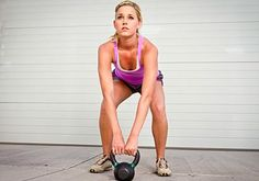 What kettlebell training can do for your body. Revamp your workout and build strong and toned muscles with kettlebell training. Here's what this workout could do for you Kettlebell Training, Strength Training Workouts, Kettlebell Swings, Kettlebell Benefits, Fitness Diet, Fitness Motivation, Health Fitness, Exercise Motivation, Health Diet
