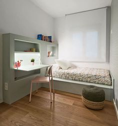A kid's room that incorporating a three-in-one unit in the bedroom design to save on space. The unit includes a bed frame, a desk, and a shelving unit. http://petitandsmall.com/big-solutions-small-spaces-kids-room/