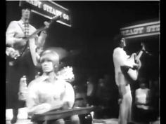 The Rollling Stones - I Am Waiting (live 1966)