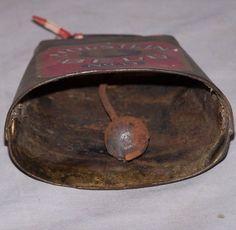 Antiguo cencerro. Old Antique Iron Holstein Cow Bell