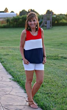 This is one of those great 4th of July outfit ideas that we just can't get enough of! Think you can pull it off?