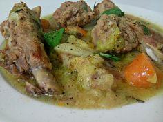 Zuppa di costine e salsicce con verza e carote Italian Soup, Italian Recipes, Sausage Recipes, Pot Roast, Slow Cooker, Pork, Turkey, Meat, Chicken