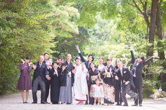 とあるひとつのカメラマンへのお問い合わせ いつも、InstagramやFacebook、当ブログを通して結婚式・前撮りの撮影のご依頼をいただくのですが、先日は少し違ったご依頼でした。 弟の結婚式では、素敵な写真を沢山撮ってくださり、ありがとうございました(^ ^) この度、5/14に、愛知県の猿投神社にて式を挙げることになりました。 ぜひ、寺川さんに写真を撮っていただきたく、ご連絡致しました。 式を挙げることが決まったところなので、大まかな流れしか決まっておりませんが、今から決めていくつもりです。 愛知県と、遠方ですが、寺川さんのご予定など伺いたいと思います。 どうぞ、よろしくお願いいたします。 昨年撮影の新郎さまのお姉さまからのご依頼でした! そういえば昨年、大阪で結婚式と前撮りを両方撮影させていただいたカップルのお姉さまが今回ご結婚とのこと。 カメラマンとしてご家族に携わりつづけていること、ほんと今回たまたまタイミングがあったと思ってはしまうものの、実際にこうやってご縁が続くことは、本当に嬉しいです。 また、このご縁という言葉が何より素敵です ^ ^ 弟さまの結婚式...