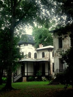 Winter Place, Montgomery, Alabama, architect Samuel Sloan, great Classical 1841 and 1855 Italianate with Moorish accents. Gothic Revival Architecture, Louisiana Plantations, Southern Mansions, Montgomery Alabama, Historic Houses, Sweet Home Alabama, Moorish, Neoclassical, Southern Style