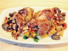 Prepelite cu ananas si ciuperci la slow cooker Crock-Pot Catering, Meat, Chicken, Food, Catering Business, Gastronomia, Essen, Meals, Yemek