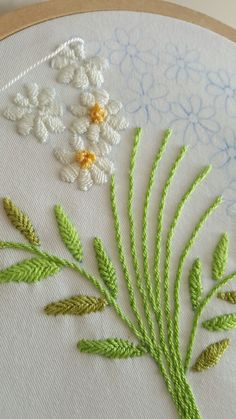 Getting to Know Brazilian Embroidery - Embroidery Patterns Brazilian Embroidery Stitches, Types Of Embroidery, Hand Embroidery Stitches, Embroidery Hoop Art, Hand Embroidery Designs, Embroidery Techniques, Ribbon Embroidery, Cross Stitch Embroidery, Embroidery Patterns