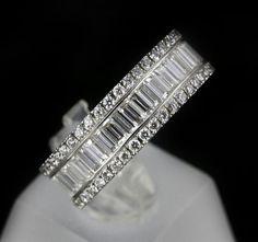 Baguette diamond ring. White gold