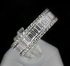 Baguette diamond ring. White gold