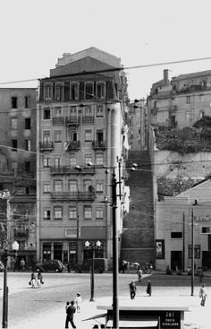 Public Transport, Vintage Photos, Past, The Neighbourhood, Arch, Street View, Places, Travel, Beautiful Landscapes