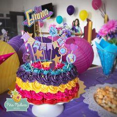 ¡Con sabor a chocolate y con toda la energía de #SoyLuna, Emma celebra hoy su cumpleaños en @playdan - pinamadurareposteria
