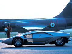 Lancia Stratos Zero - Old Concept Cars Dodge Polara, 70s Cars, Retro Cars, Fancy Cars, Futuristic Cars, Futuristic Design, Amazing Cars, Vintage Cars, Cool Cars