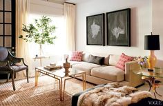 How to Decorate Above Your Sofa