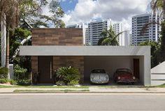 fachada Small Modern Home, Modern Contemporary Homes, Minimalist Architecture, Modern Architecture, Modern Exterior, Exterior Design, Surf House, Independent House, Home Design Floor Plans