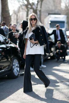 Black and White: Streetstyle von der Pariser Fashion Week
