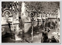 Bathing place in Bali, photographer unknown Vintage Pictures, Old Pictures, Old Photos, Temple Bali, Dutch East Indies, Dutch Colonial, Architecture Old, Borneo, Vintage Photographs